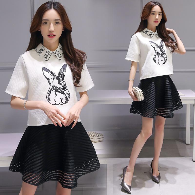 Set_bs1298 ชุด 2 ชิ้น(เสื้อ+กระโปรง)แยกชิ้น เสื้อคอปกสีขาวลายกระต่าย+กระโปรงบานซิปหลังมีซับในผ้าฉลุสีดำ