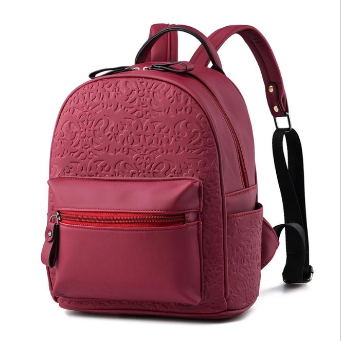 [ ลดราคา ] - กระเป๋าเป้แฟชั่น สไตล์ยุโรป สีไวน์แดง ใบกลางๆ ปั้มลายเก๋ๆ ดีไซน์สวยเรียบหรู เหมาะสำหรับสาวๆ ที่ชอบงานมีสไตล์เป็นของตัวเอง