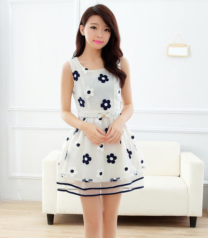 """size L """"พร้อมส่ง""""เสื้อผ้าแฟชั่นสไตล์เกาหลีราคาถูก เดรสผ้าแก้วปักลายดอกไม้ แขนกุด ซิปข้าง กระโปรงทับ2ชั้น มีซับใน มีเข็มขัดสีขาวให้ -สีดำ"""