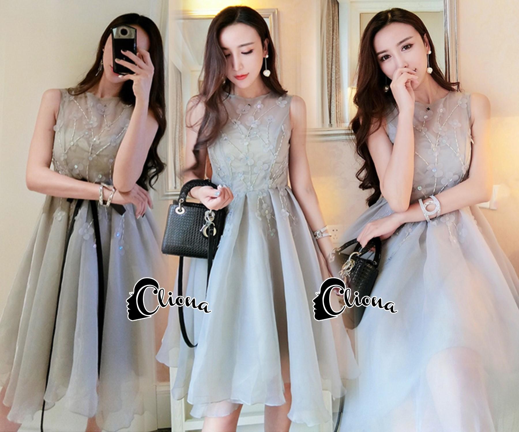 ชุดเดรสเกาหลีพร้อมส่ง Grey Princess Luxury 3D Floral Dress