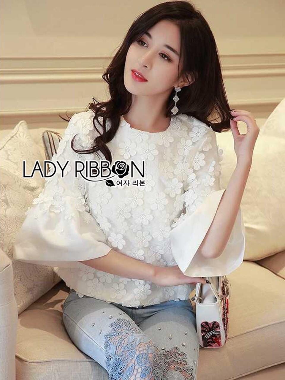เสื้อผ้าเกาหลี พร้อมส่งเสื้อผ้าคอตตอนทับด้วยผ้าตาข่ายปักดอกไม้สีขาว