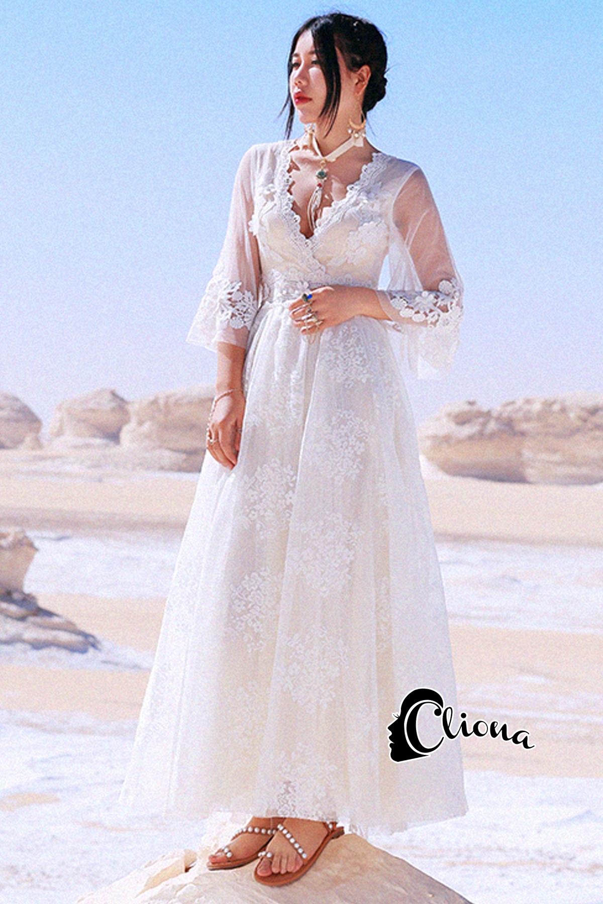 ชุดเดรสเกาหลี พร้อมส่งlong dress สีขาวคอวี