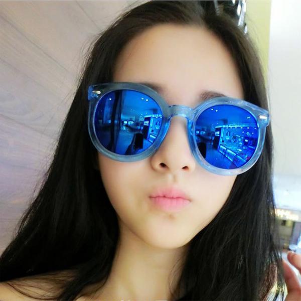 แว่นตากันแดดแฟชั่นเกาหลี กรอบฟ้าใส เลนส์ปรอทสีน้ำเงิน