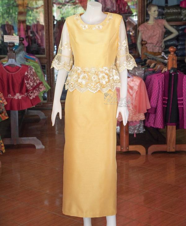 ชุดเสื้อกระโปรงผ้าไหมแพรทองแต่งลูกไม้ สีทองอ่อน ไซส์ S