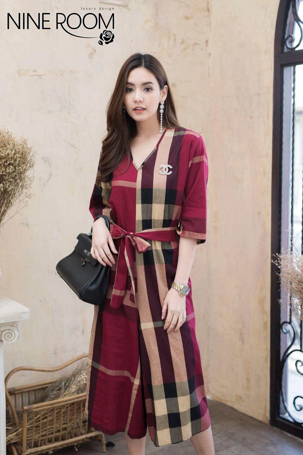 ชุดจั้มสูท ผ้าคอทต้อนเกาหลีทอลายเบอเบอรี่ คอ V