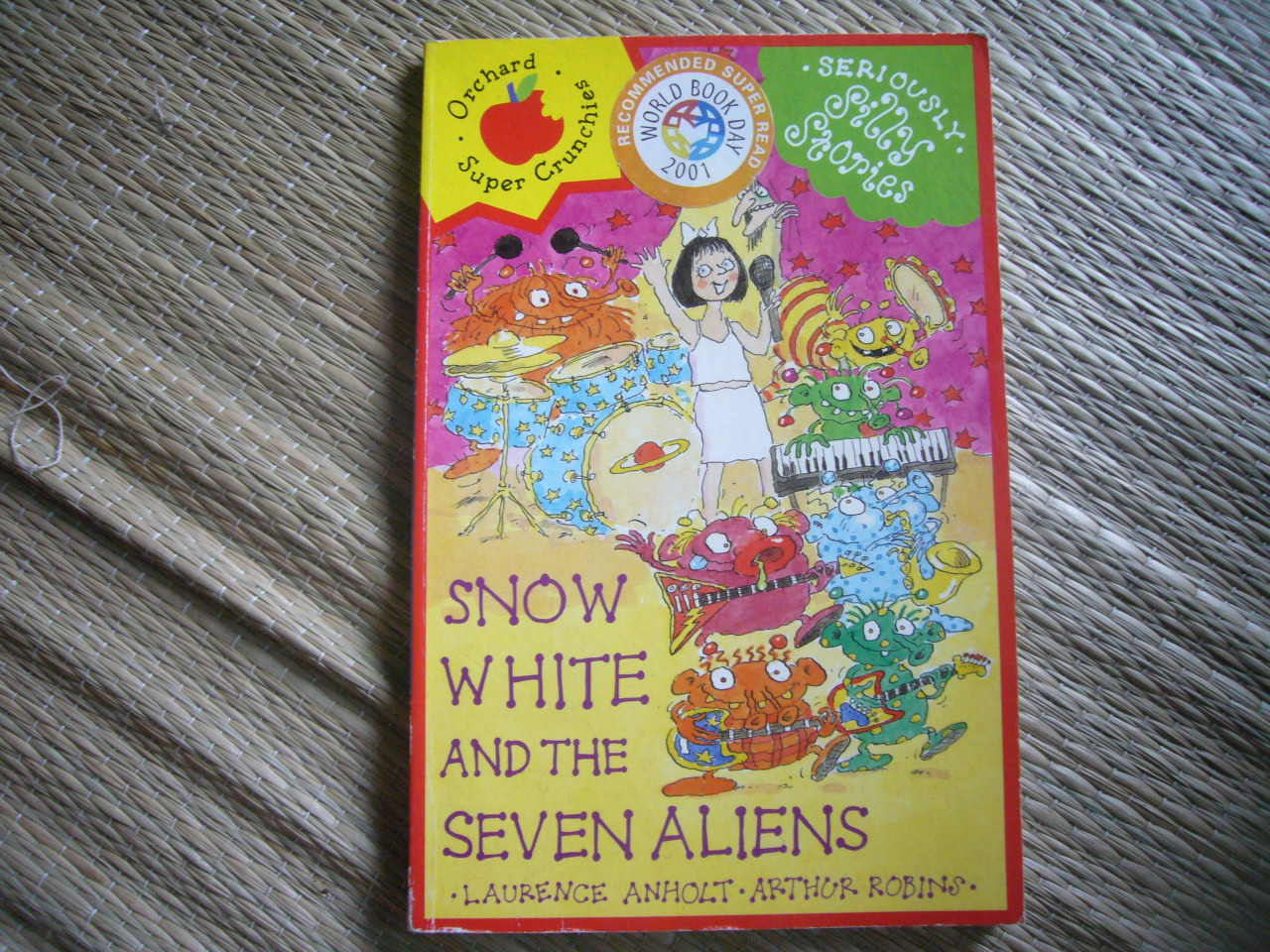 Snow White and the Seven Aliens