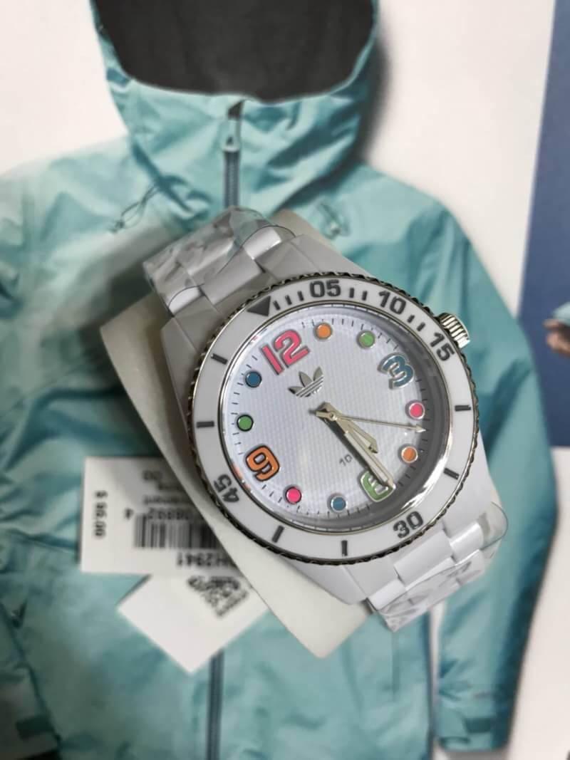 สินค้าแท้ ได้นาฬิกามาค่า ทุกเรือน 2,590 บาท free ems สั่งของขวัญ Line: maythaphak