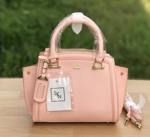 LYN Madison Bag สีชมพูโอรส กระเป๋าถือหรือสะพายทรงสวย รุ่นใหม่ล่าสุด วัสดุหนัง Saffiano