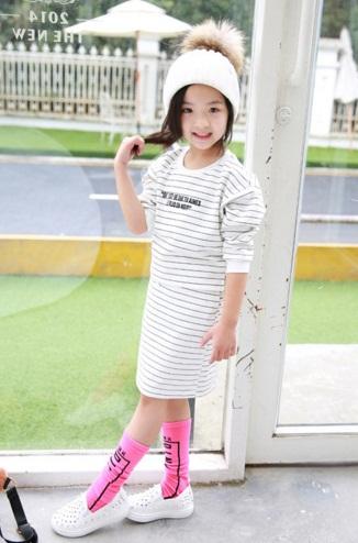 Pre-order เสื้อ+กระโปรง / แพ็คละ 5 ตัว / สีขาว