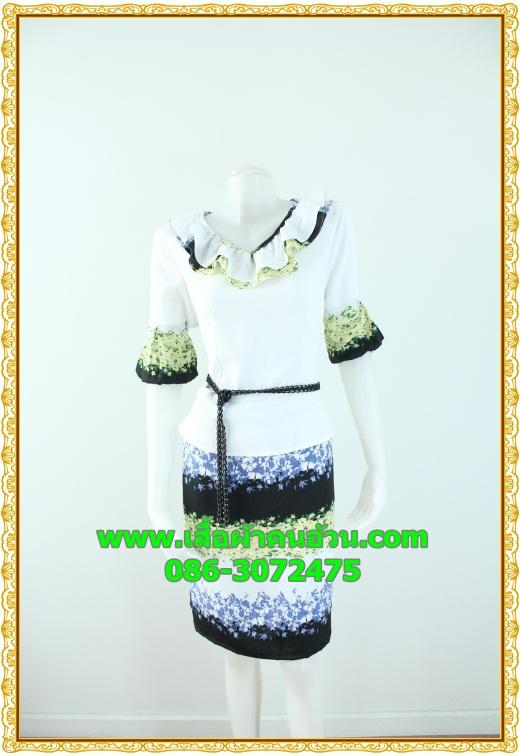 2555ชุดทํางาน เสื้อผ้าคนอ้วนผ้าเครปพิมพ์ลายข้างลำตัวโดดเด่นสะดุดตาแขนทรงระฆังคอกลมระบายรอบ สวมใส่สบายหรูหราอลังการเลือกใส่เป็นชุดออกงานเลิศหรู