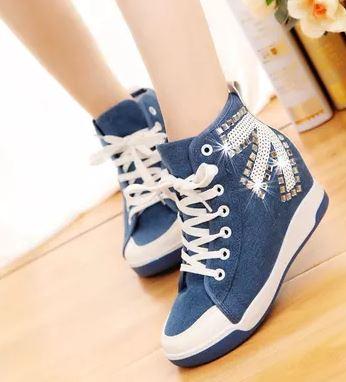 รองเท้าผ้าใบหุ้มข้อเสริมสูงสไตล์เกาหลี