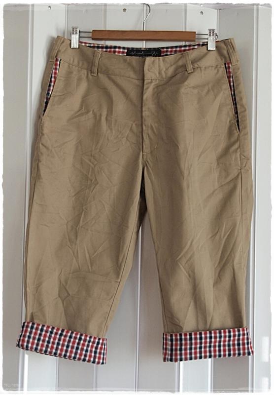 กางเกง ขาสามส่วน สีน้ำตาล แต่งผ้า ลายตาราง