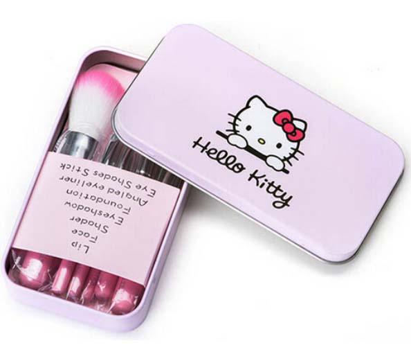 ชุดแปรงแต่งหน้า Hello Kitty ชมพู