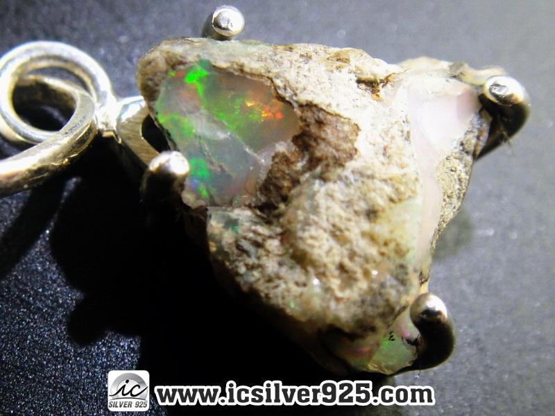 ▽โอปอลเอธิโอเปีย (Ethiopian Opal Rough) -จี้เงินแท้ 925 (2.3g)
