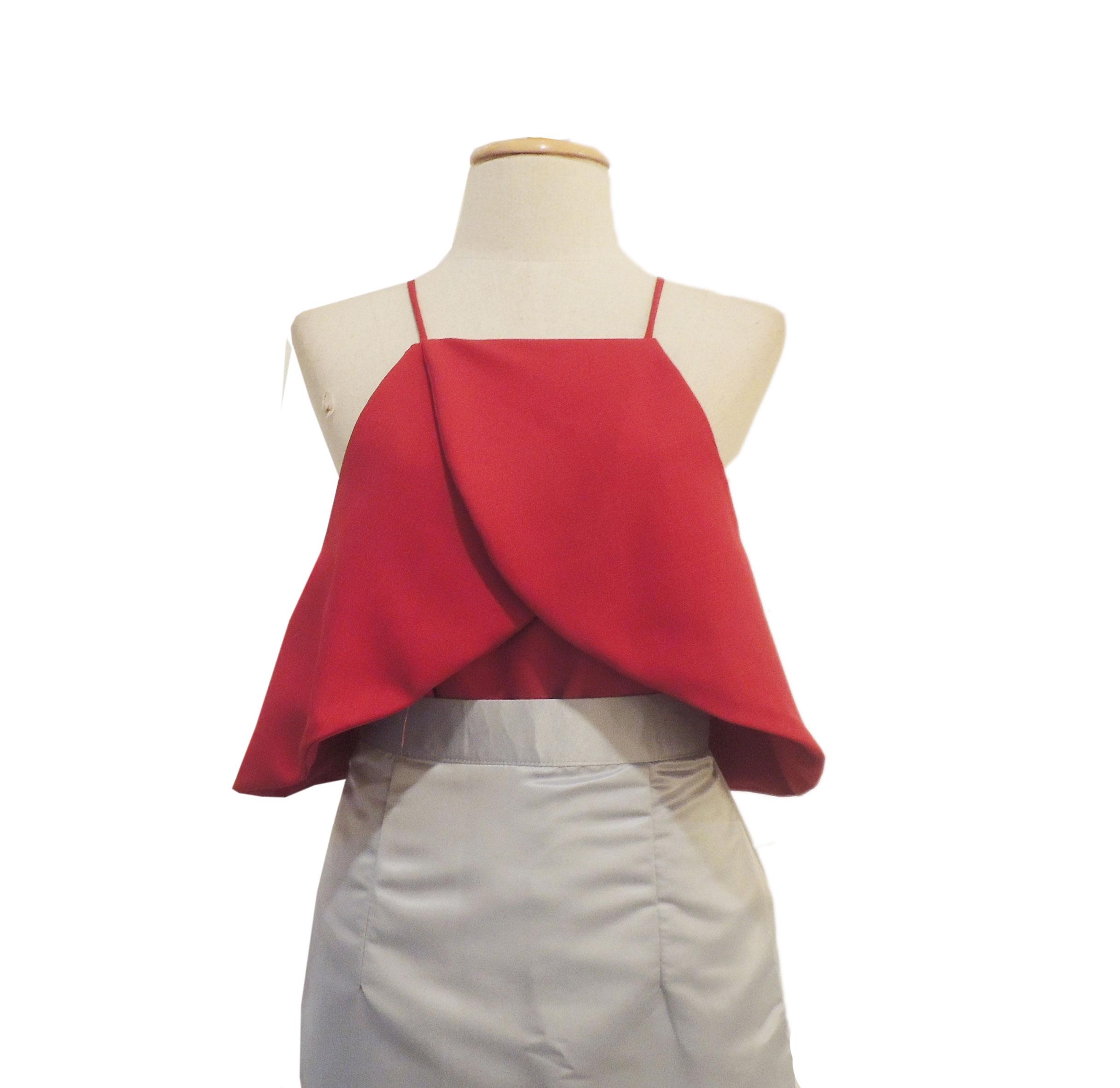 เสื้อออกงานสีแดง เปิดไหล่ คล้องแขน