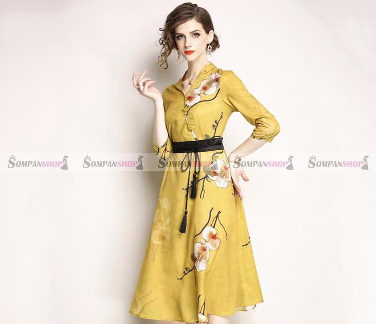 ชุดเดรสสั้นสีเหลืองลายดอกไม้ คอวีป้าย แขนสี่ส่วน กระโปรงทรงบาน : สินค้าพร้อมส่ง