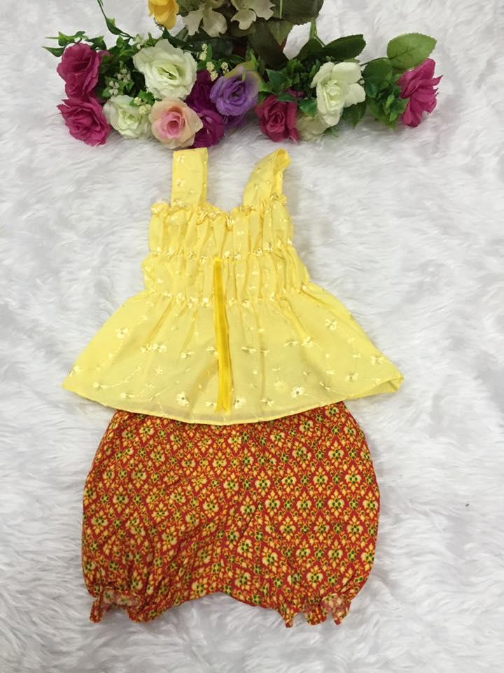 ชุดไทยเด็กหญิง-สีเหลือง