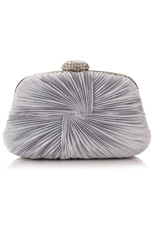 กระเป๋าออกงานทรงสีเหลี่ยมคางหมู สีเทาเงิน