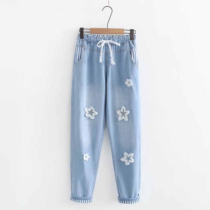 กางเกงยีนส์ขายาวเอวยืด แต่งลาย (มีให้เลือก 2 สี 2 ไซส์)
