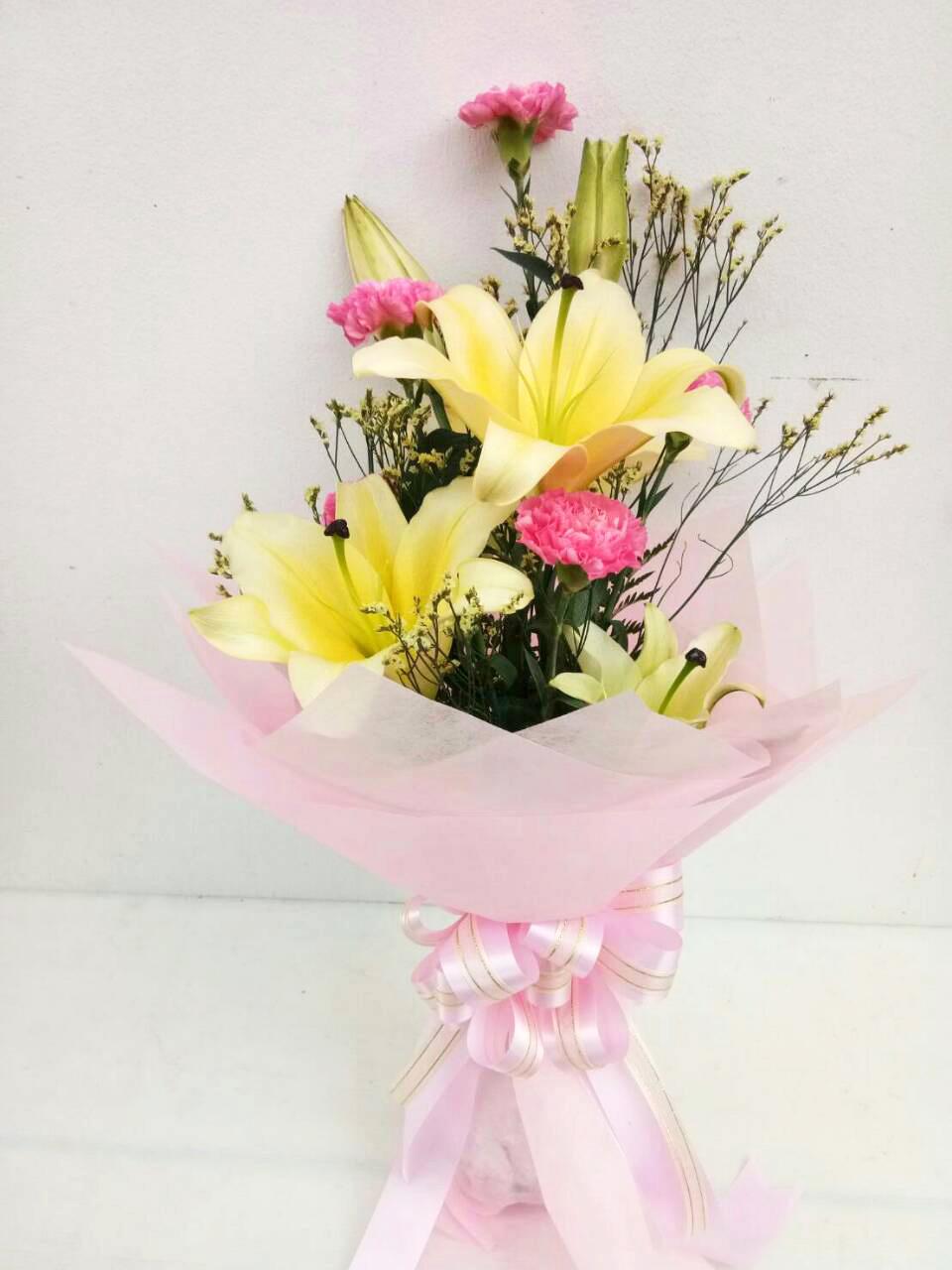 ช่อดอกไม้ ลิลลี่เหลือง-คาร์เนชั่น รหัส 4727