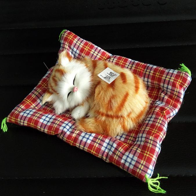 ตุ๊กตาแมวเหมือนจริงนอนหลับ สีเหลืองมีลาย 14x17 CM