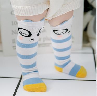 ถุงเท้ายาว สีน้ำเงิน แพ็ค 10 คู่ ไซส์ M (อายุประมาณ 6-12 เดือน)