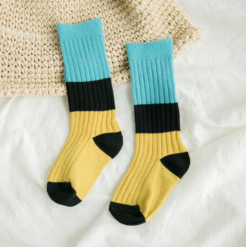ถุงเท้ายาว แบบที่5 แพ็ค 12คู่ ไซส์ M (ประมาณ 3-5 ปี)