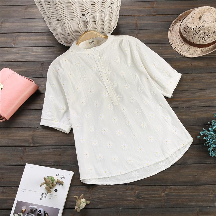เสื้อคอจีน แขนสั้น สีขาว ลายดอกไม้เหลือง (ภาพแรก)