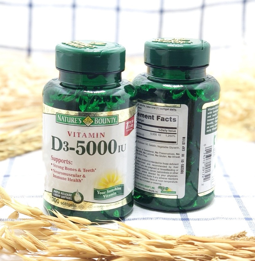 Nature's Bounty D3 5000 IU บรรจุ 300 Softgels วิตามิน D3 5000 IU การดูแลกระดูก เป็นสิ่งสำคัญ ภาวะปวดเมื่อย ก็เริ่มจากกระดูกที่อ่อนแอนะจ้ะ เพิ่มสมรรถภาพในการดูดซึมแคลเซี่ยม บำรุงกระดูกลดอาการปวดเมื่อย กระดูกพรุน เสริมสร้าง ความแข็งแรงของกระดูกและฟัน ล