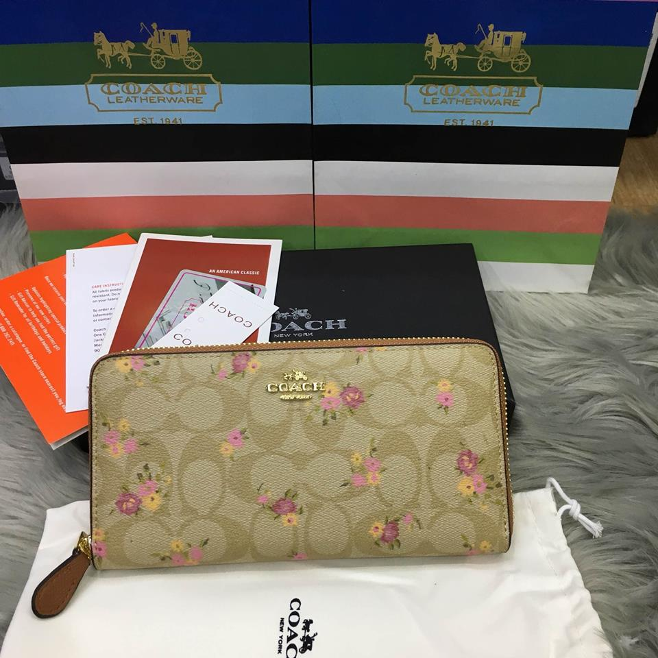 กระเป๋าแบรนด์ Coach wallet รุ่นใหม่ล่าสุด งาน top Hiend เกรดดีที่สุด