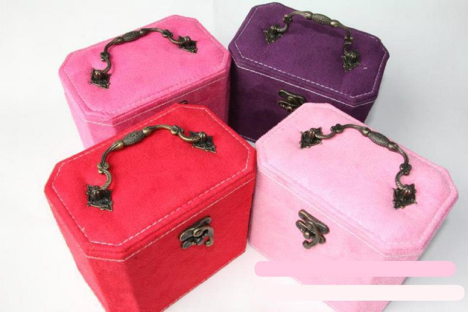 กล่องเครื่องประดับ แบบ 3 ( ทรงสี่เหลียมผืนผ้า ) พร้อมส่ง สีชมพูอ่อน