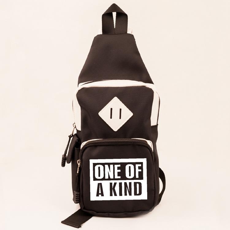 กระเป๋าคาดไหล่ GD ONE OF A KIND