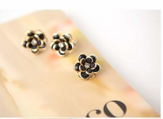 แหวนดอกไม้ 558