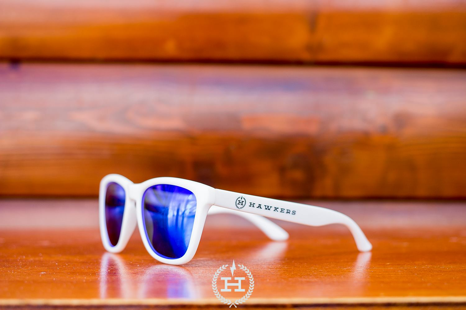 Hawkers Sunglasses Artic White - Sky One (H-11)
