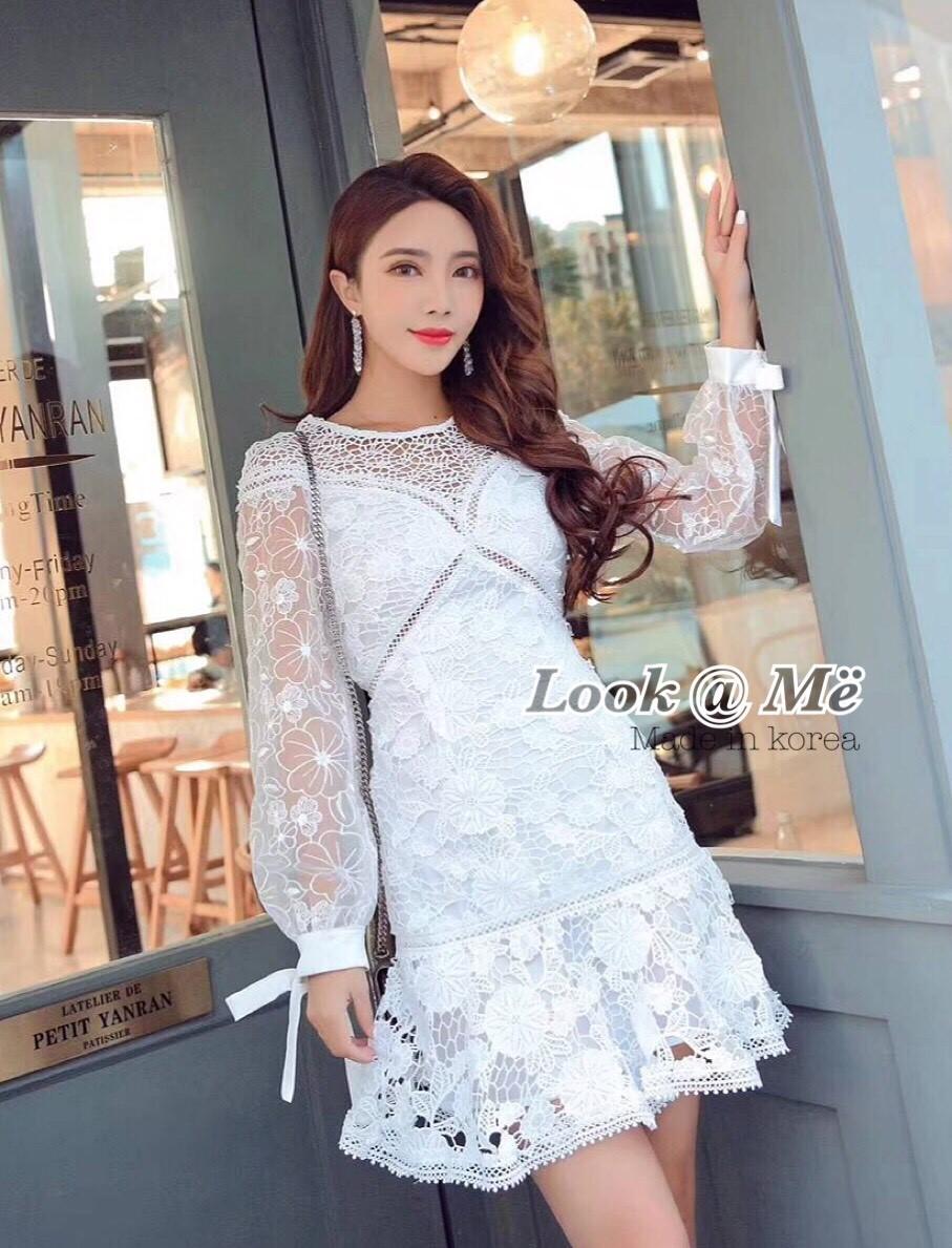 เดรสแฟชั่น Dress กระโปรงสุดหวานสีขาวเนื้อผ้าอย่างดีลายดอกไม้