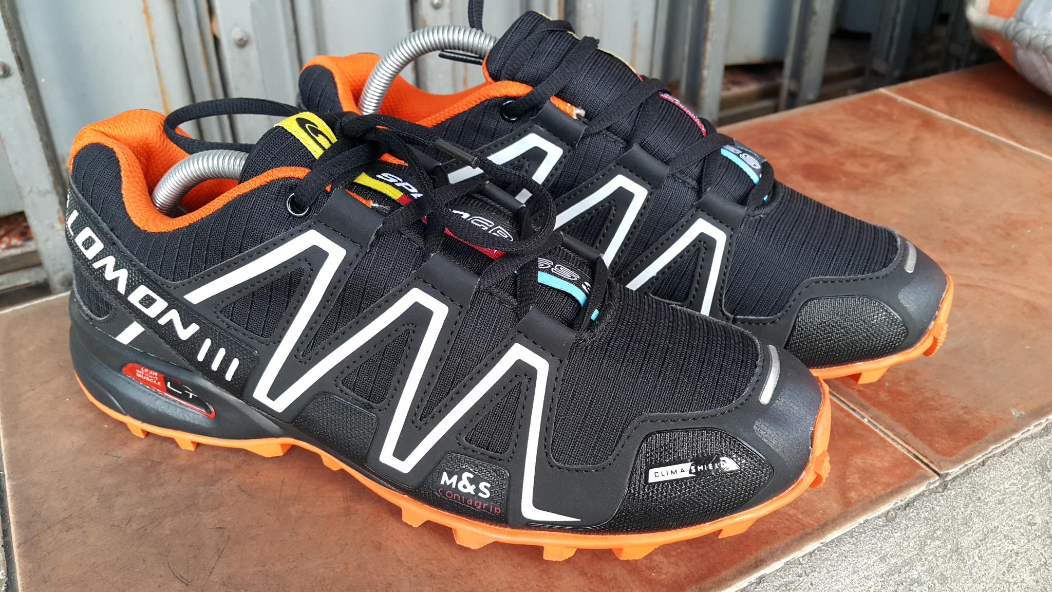 รองเท้า Salomon ส้ม-ขาว