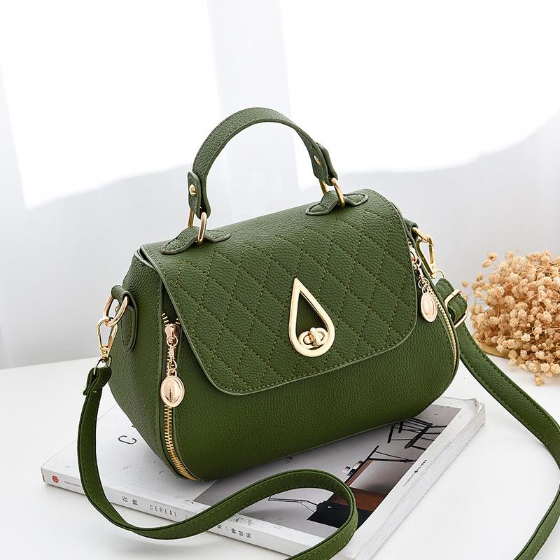 Pre-order กระเป๋าหนัง กระเป๋าถือสตรีและสะพายข้างใบเล็ก แต่งอะไหล่หยดน้ำ แฟชั่นเกาหลี รหัส KO-809 สีเขียว