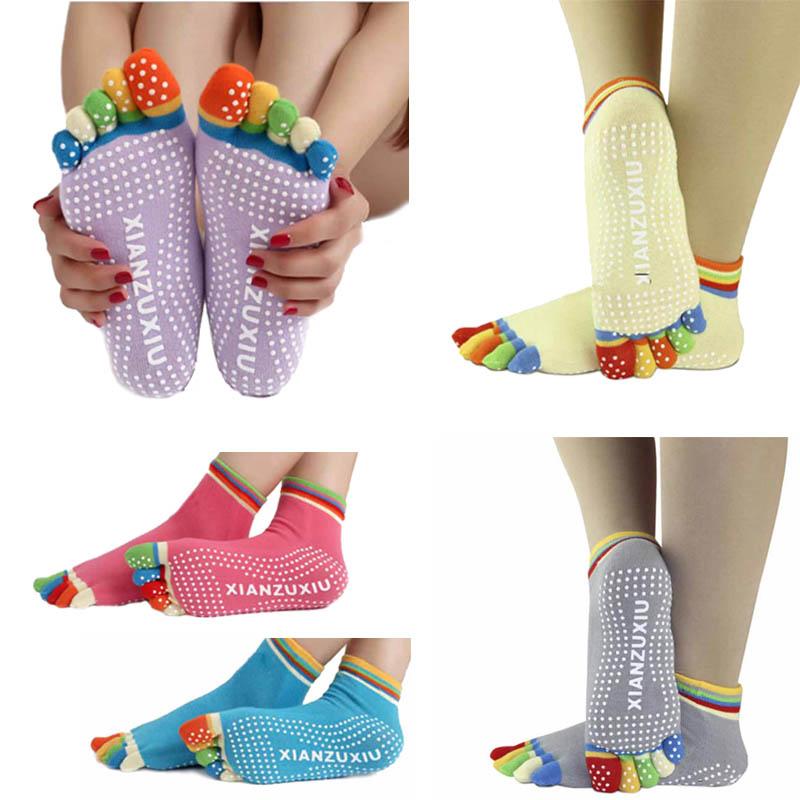 S595**พร้อมส่ง** (ปลีก+ส่ง) ถุงเท้าโยคะ มีกันลื่น มี 12 คู่ต่อแพ็ค คละ 6 สี เนื้อดี งานนำเข้า(Made in China)