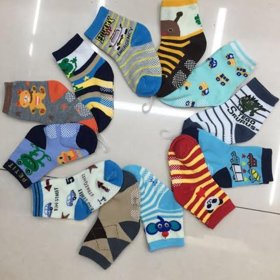 U090-1**พร้อมส่ง** (ปลีก+ส่ง) ถุงเท้าเด็ก มีกันลื่น มี ไซส์ S เนื้อดี งานจีน ( Made in China)