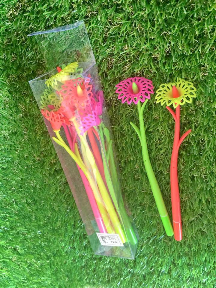ปากกาดอกไม้ (ขายส่ง 60 บาท/12 ด้าม)