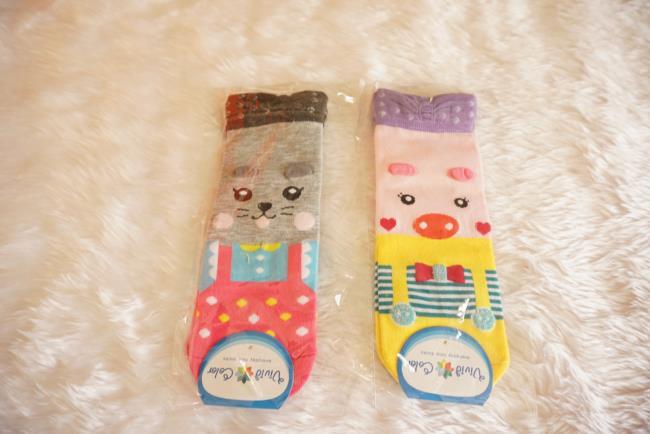 ถุงเท้าเกาหลีลายสัตว์น่ารัก มี 2ลายหมูชมพูและแมวน้อย[ขนาดเท้า35-42]