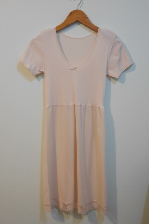 jp3570 ชุดซับใน/ชุดนอน ช่วงตัวผ้ายืด ต่อเอวผ้าไนลอน สีเนื้อ รอบอก 24-30 นิ้ว