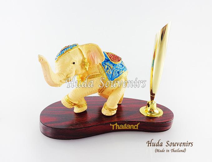 ของที่ระลึก ช้างทรงเครื่องเรซิ่น ที่เสียบปากกา รูปช้างยืนยกขา สินค้าพร้อมส่ง