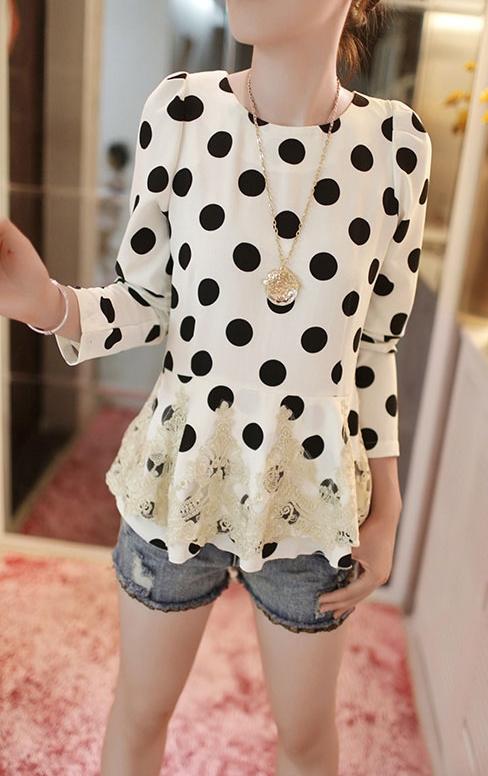 เสื้อลายจุดขาวดำ ผ้าชีฟองเนื้อผสม แต่งผ้าตาข่ายปักไหมพรม